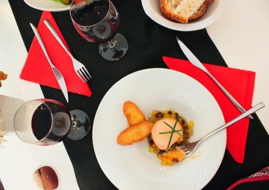 El Celler De La Puntaire: что то вроде рыбного паштета.. но оооооооочень вкусное ))))))