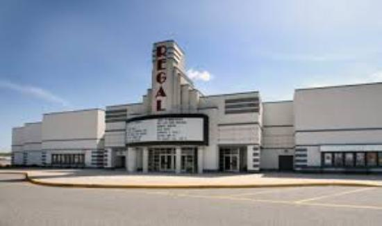 Regal Cumberland Mall Stadium 14