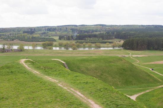 Kernave, Litauen: Mounds