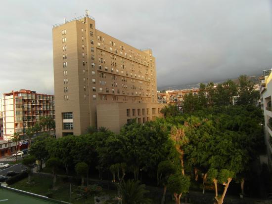Alrrededores del apartahotel fotograf a de apartamentos teneguia puerto de la cruz tripadvisor - Apartamentos teneguia puerto de la cruz ...