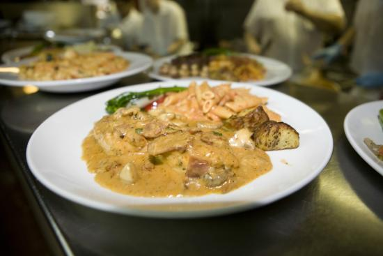 Paliotti's Italian Restaurant: Paliotti's Maple Ridge
