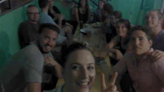 Hostel One Paralelo: Family dinner/drinks at the hostel