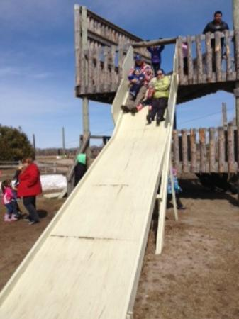 Rounds Ranch: Giant slide