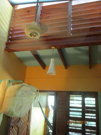 Hotel Guarana : geniale Belüftung oben und durch die Lamellenfenster