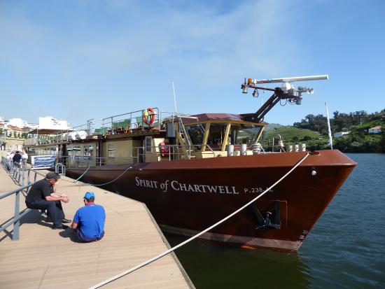 Spirit of Chartwell Thames Day Cruise : The Spirit of Chartwell on the Douro