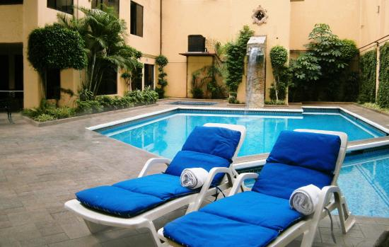 Del Rey Inn Hotel: Alberca