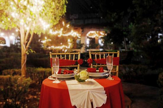 Del Rey Inn Hotel: Cena romántica