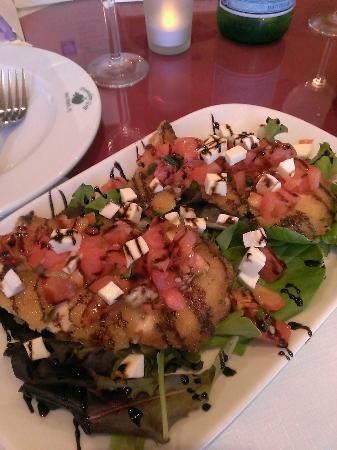 Pomodoro Grill: Chicken Milanese Caprese