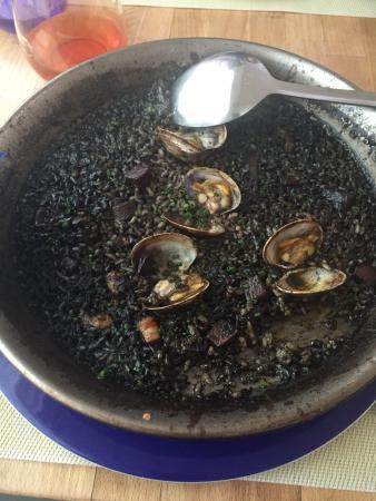 Gastromaquia : Black rice with wine