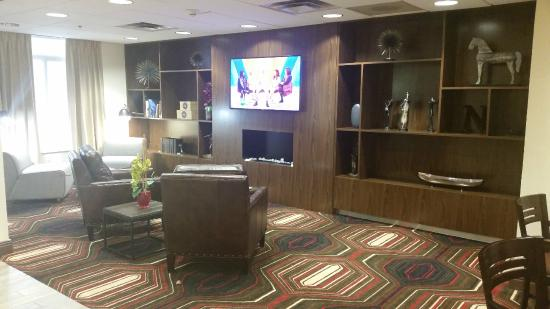 Four Points by Sheraton Nashville Airport: Lobby seating area