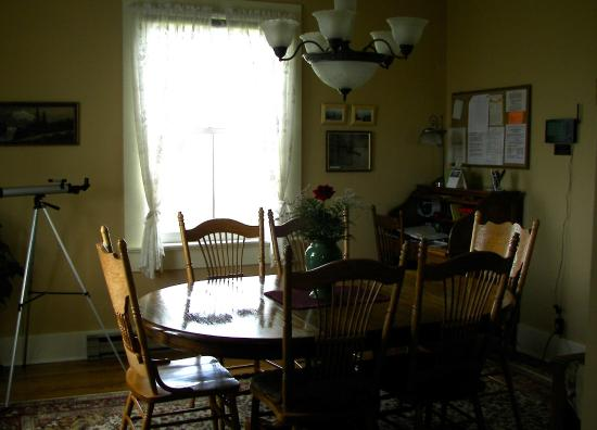 New Dungeness Lighthouse: Dining room in keeper's cottage