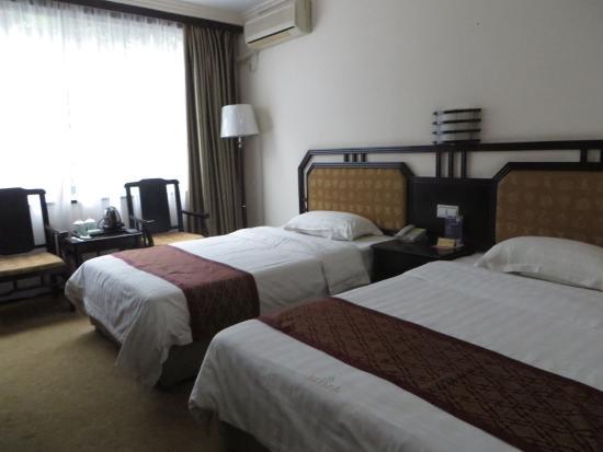 Li River Hotel (Decui Road): aangename kamer