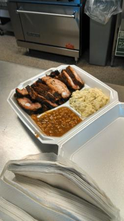 Larry's  Hot Tamales: Rib tip meal