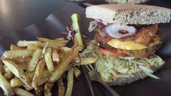 Boon Burger Cafe - Picture of Boon Burger Cafe, Barrie - TripAdvisor