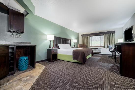 AmericInn Hotel & Suites West Salem