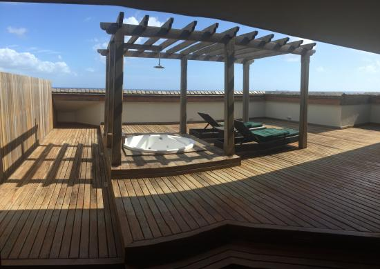 Private jacuzzi terrace picture of intercontinental for Terrace jacuzzi