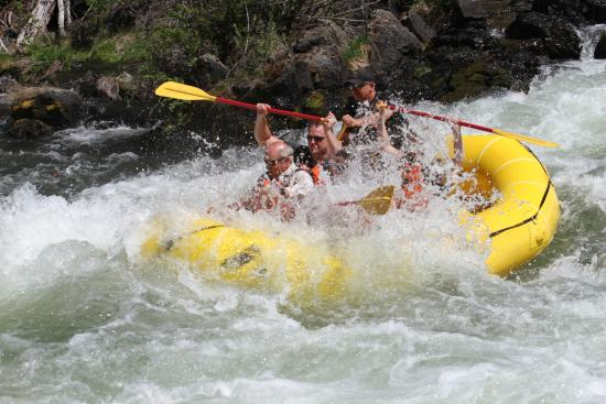 WorldMark Bend - Seventh Mountain Resort: Do the rafting!
