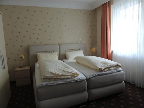 Alt Graz Hotel: Cama de casal