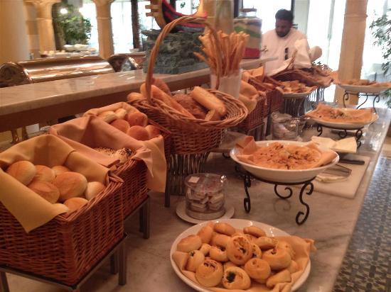 Fayrouz Lebanese Restaurant : Breads