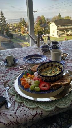 Breakfast at A Harbor View Inn