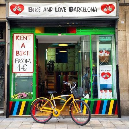 Bike and Love Barcelona