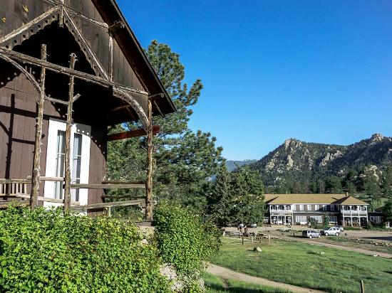 Elkhorn Lodge and Guest Ranch: The front porch view of the main lodge