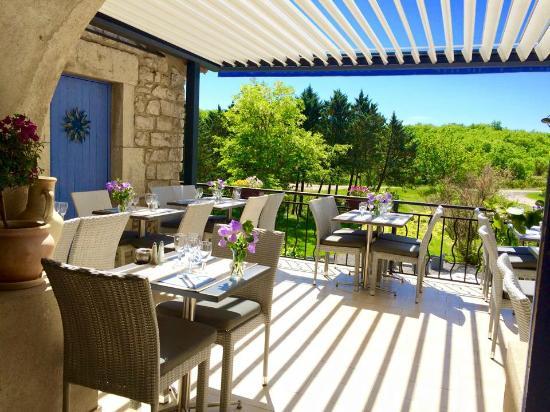 Les Vans, Frankrike: La nouvelle terrasse du restaurant