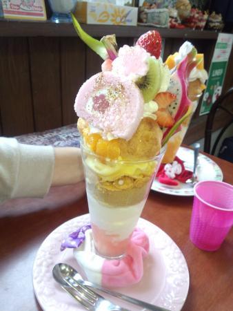 Fruit Parlor Kakunodate Sakaiya