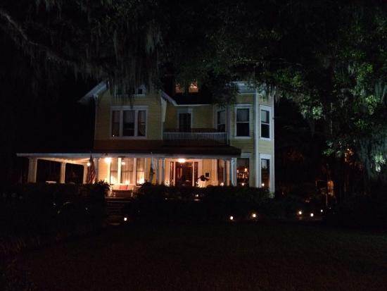 Hoyt House Inn: Quiet nights