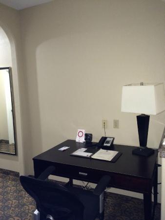 Comfort Suites Westchase: Computer Desk