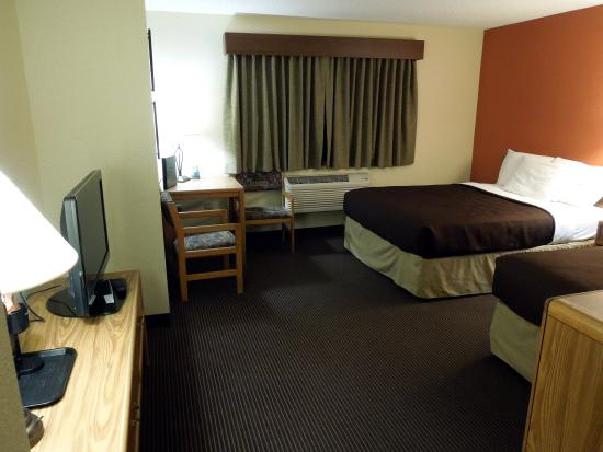 AmericInn Lodge & Suites Tofte - Lake Superior: Room 217