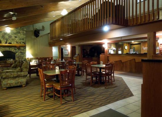 AmericInn Lodge & Suites Tofte - Lake Superior: Lobby