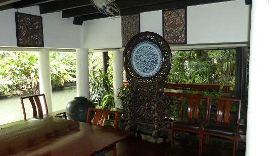 Interior of royal beadroom - obrázek zařízení Suan Pakkad ...