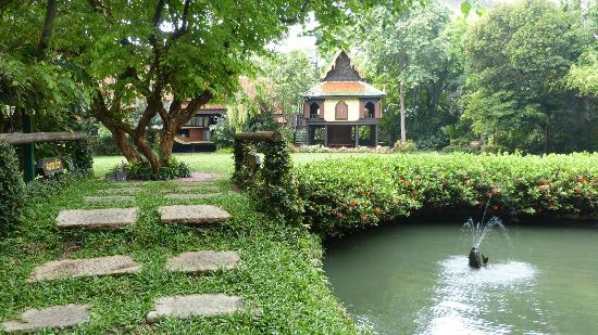 Main building - Picture of Suan Pakkad Palace Museum ...