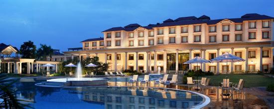 โรงแรมฟอร์จูน พาร์ค พันชวาติ: Exterior