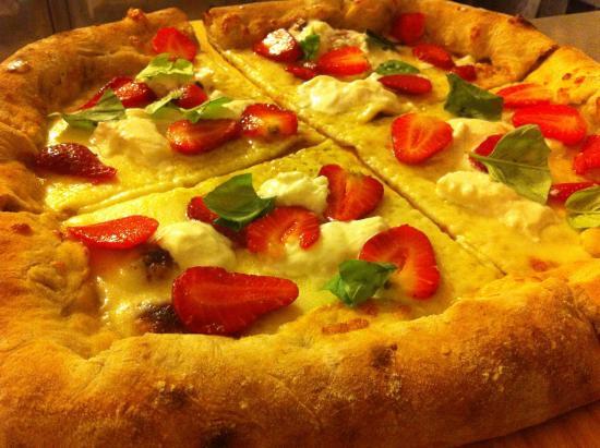 Idea Pizza : La pizza di oggi : fragole e burrata