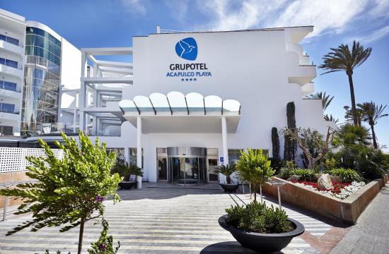 Grupotel Acapulco Playa: Entrada al hotel