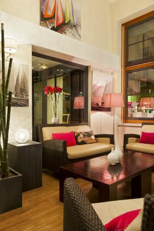 Comfort Hotel Astoria : Salon