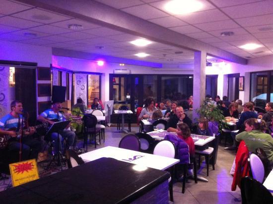 le snow bar arette restaurant reviews phone number photos tripadvisor. Black Bedroom Furniture Sets. Home Design Ideas