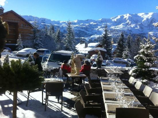 Le Cepe: terrasse plein sud acces ski