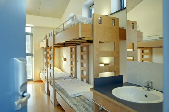Lultzhausen, Luxembourg : Our dorm rooms are light, modern and spacious.