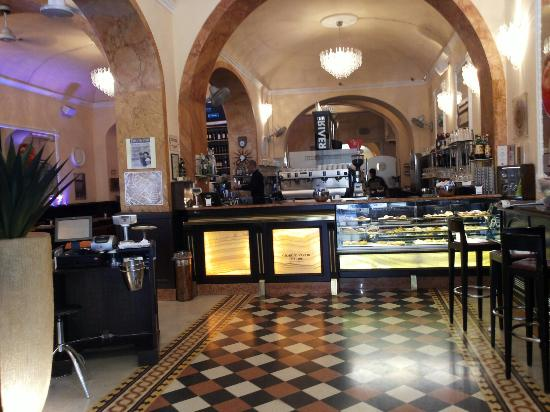 CAFFE' DEI COSTANTI, Arezzo - Ristorante Recensioni, Numero di Telefono & Foto - Tripadvisor