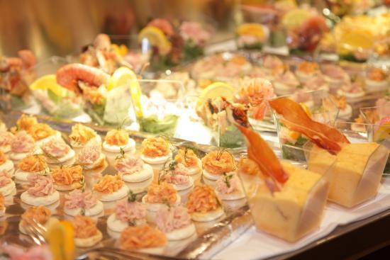 Hotel Martini: Buffet Ferragosto