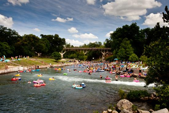 New Braunfels, Teksas: Tubing the Comal River