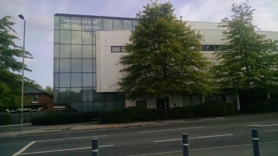 Hotels Near Southampton University