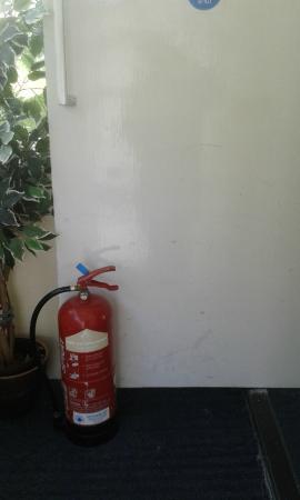 Drumnadrochit Hotel: Open fire doors.