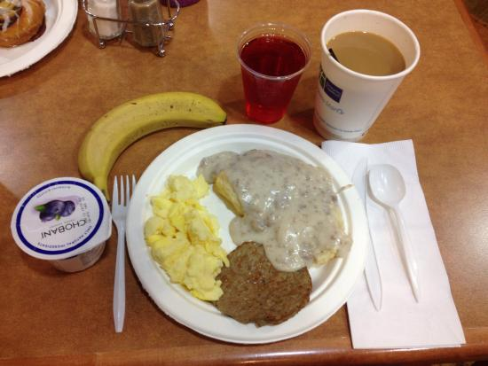 Holiday Inn Express Rawlins: An impressive complimentary breakfast!
