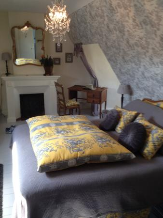 Logis Les Remparts -  Bed and Breakfast Picture