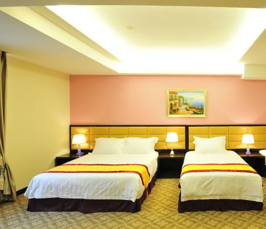Good Location, Room Dated, Food not - Hotel Equatorial