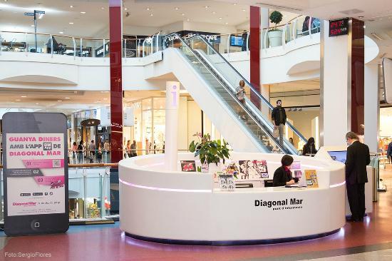 Lego fun factory en diagonal mar centro comercial for Centro comercial aki piscinas precio